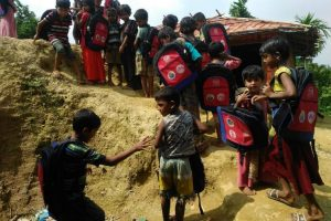 Rohingya refugee children going to school